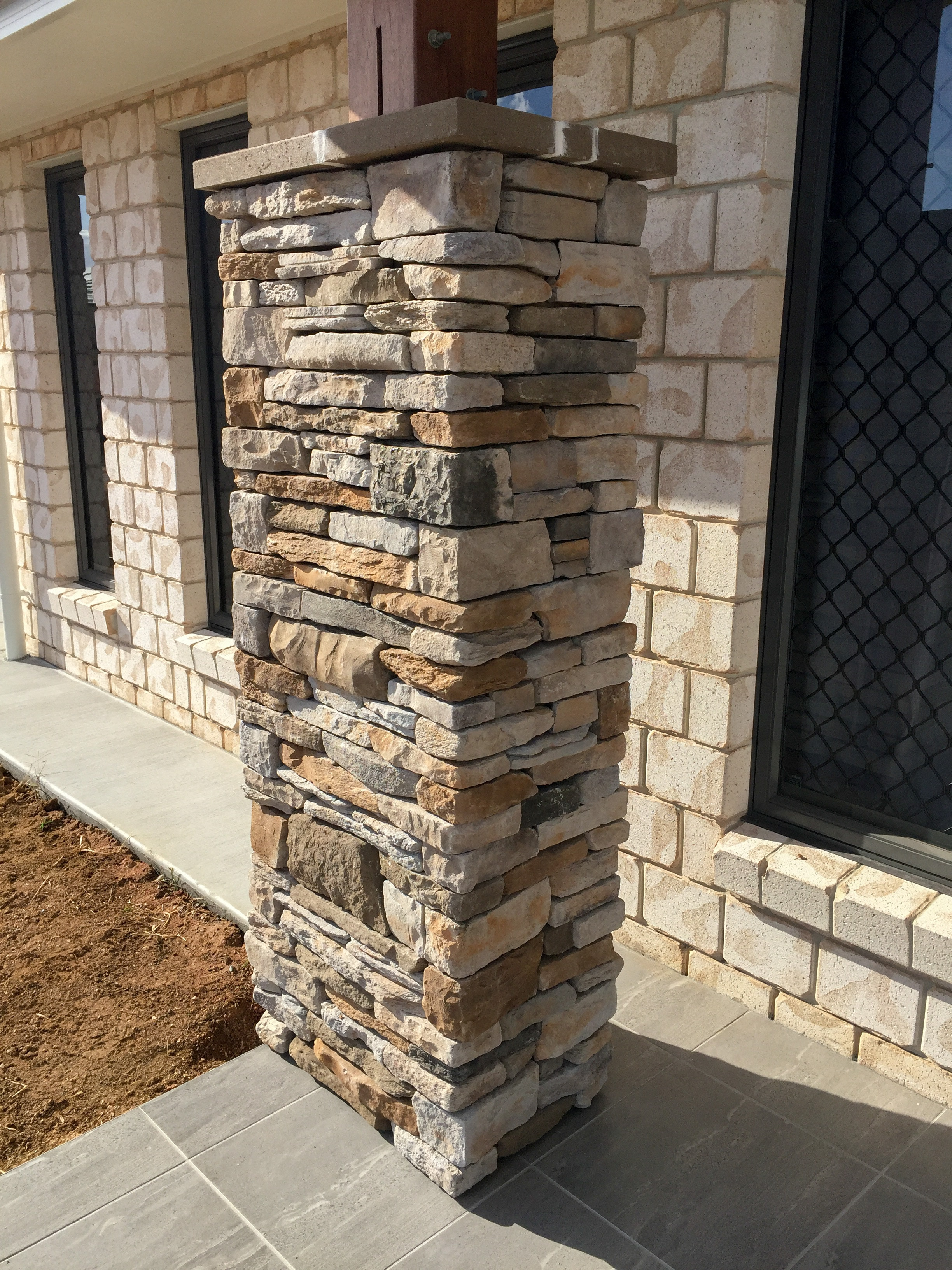 Feature Stone Pillars Seq Tiling And Cladding
